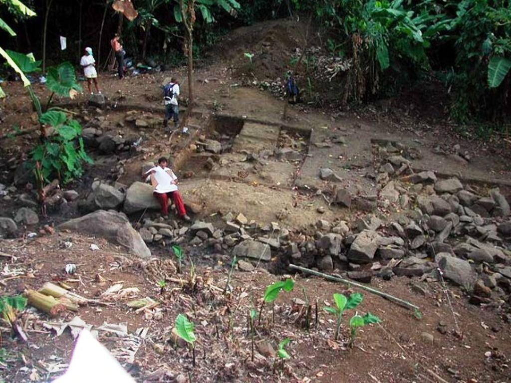 L'alimentation en eau de la maison des pères était assurée par un aqueduc qui captait l'eau d'une source éloignée de 300 mètres.